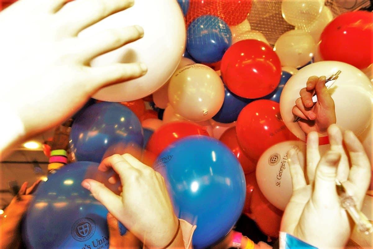 balloon grab 4 - Medlink Virtual Exhibition