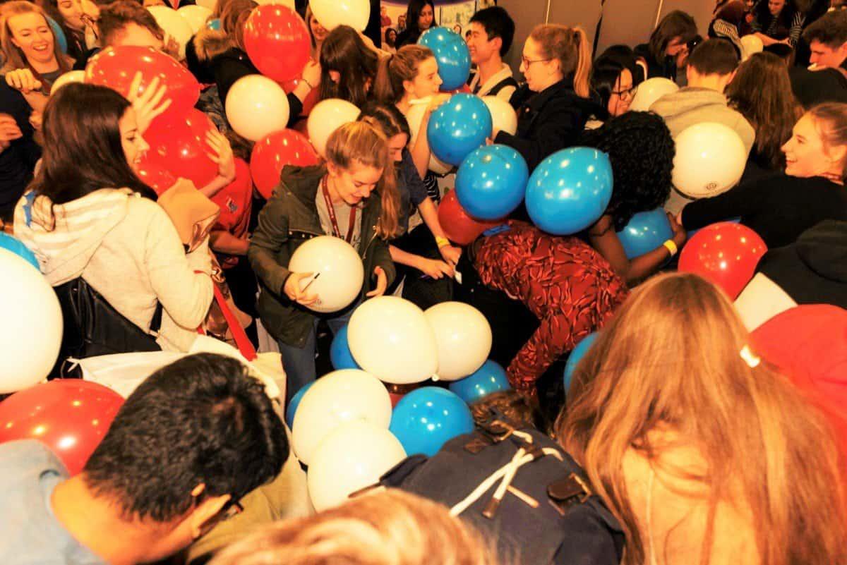 balloon scramble 2 - Medlink Virtual Exhibition